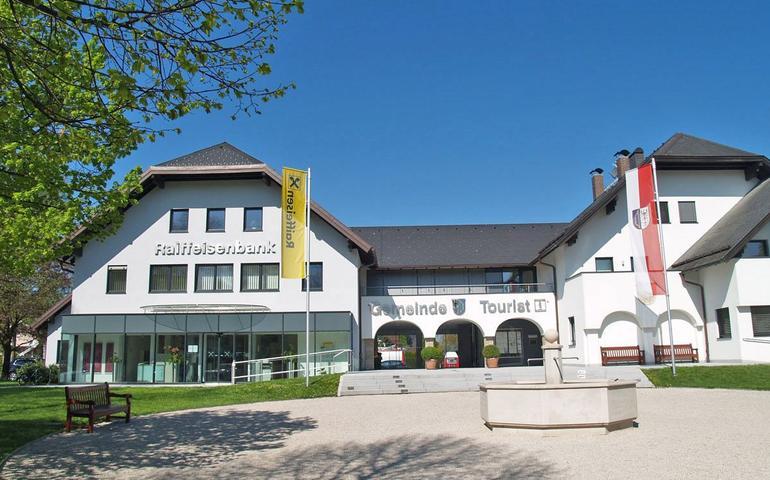 Dorfplatz Anif Titelbild